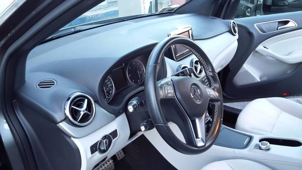 Mercedes-Benz Classe B 180 CDI BlueEFFICIENCY Premium del 2013 usata a Peschiera Borromeo (4)