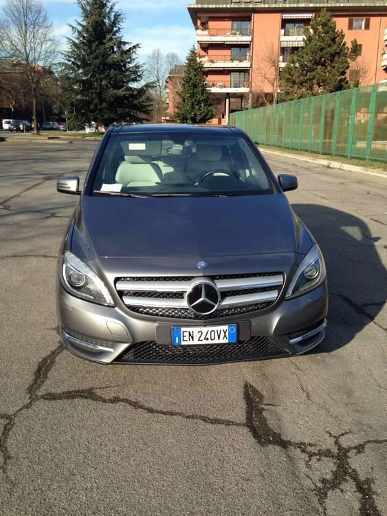 Mercedes-Benz Classe B 180 CDI BlueEFFICIENCY Premium del 2013 usata a Peschiera Borromeo (2)