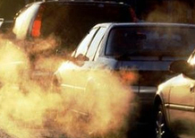 Francia, è guerra ai diesel. Fino a 10.000 euro a chi acquista un'elettrica