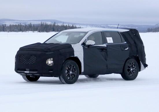 Nuova generazione Hyundai Santa Fe: immagini dai test