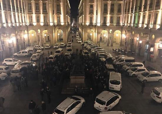 Le immagini dei tassisti a Roma: