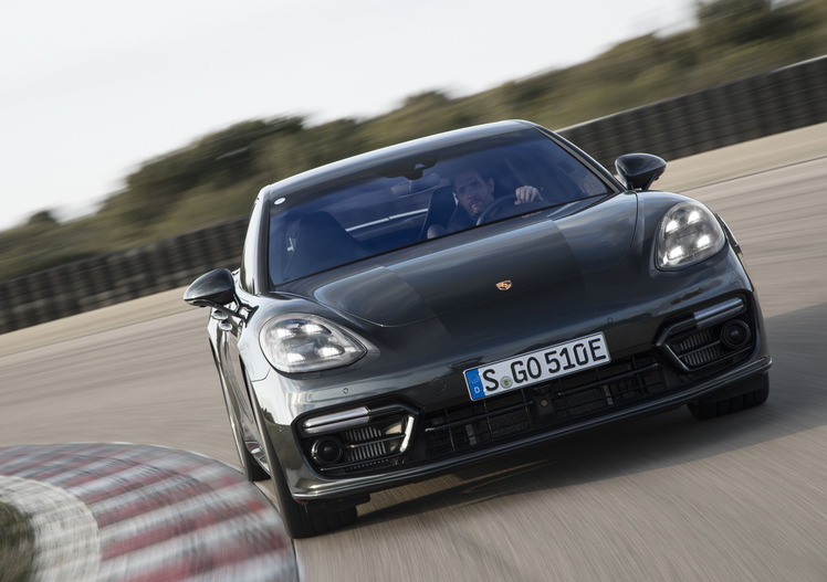 Porsche Panamera Turbo S E-Hybrid [Video primo test]