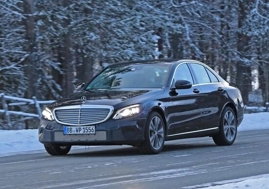 Aggiornamento Mercedes-Benz Classe C: le ultime immagini
