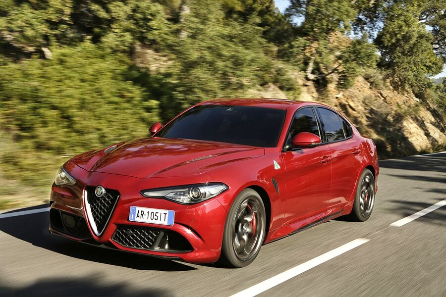 alfa romeo giulia 2 0 turbo 280 cv at8 awd q4 veloce 11 2016 prezzo e scheda tecnica. Black Bedroom Furniture Sets. Home Design Ideas
