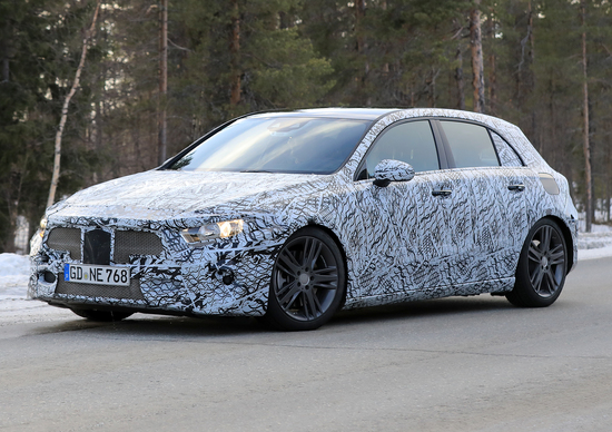Nuova Mercedes Classe A: foto dai test