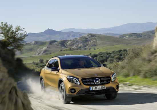 Mercedes-Benz GLA restyling 2017: più alto, elegante e ricco