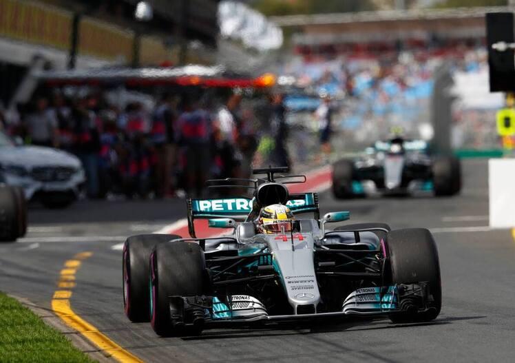 F1, GP Australia 2017, FP2: Hamilton al top