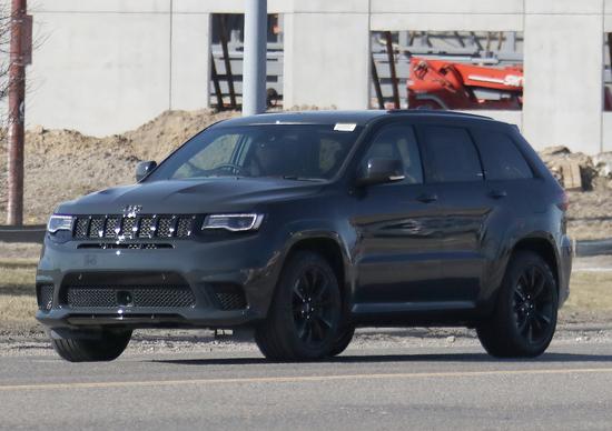 Jeep Grand Cherokee TrackHawk spy shots