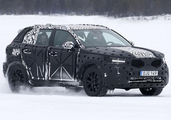 Nuovo XC40 Volvo: immagini dai test