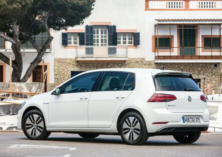 Volkswagen e-Golf 2017 [Video Primo Test]