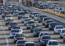 Cala il traffico, si va più veloci