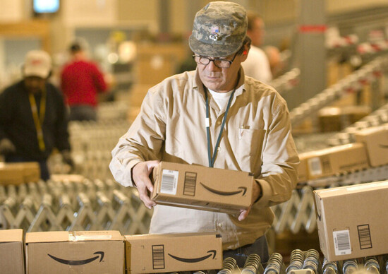 Amazon forma un team per lo studio dei trasporti autonomi